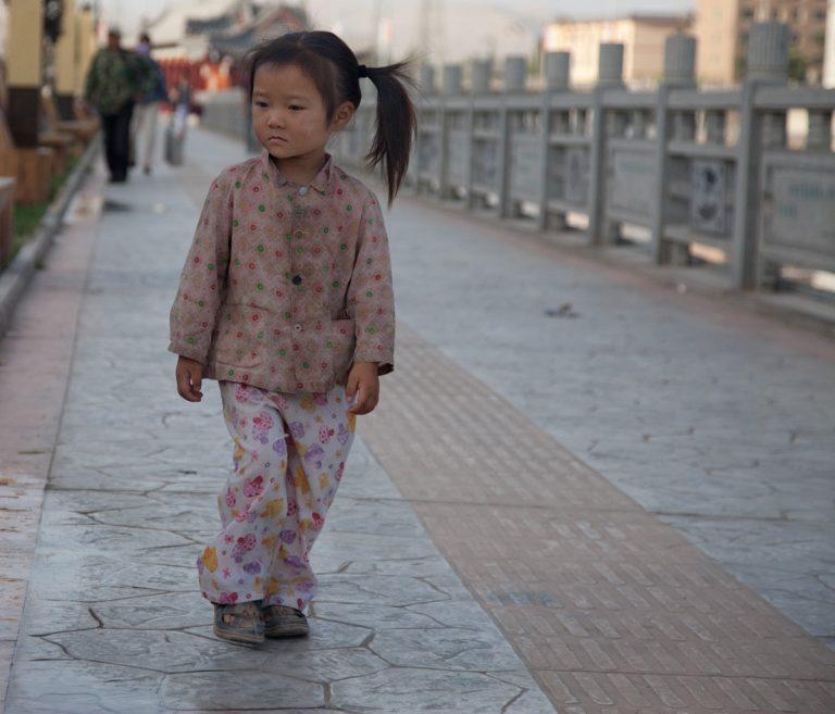 viaje china Dunhuang nina