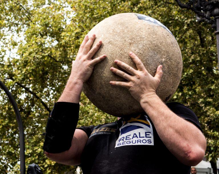 Aste Nagusia levantamiento de piedra, esférica